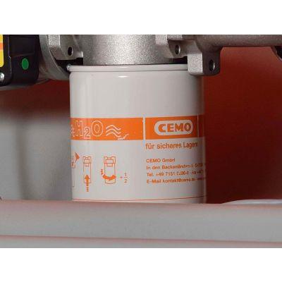 Cartridge filter with water separator