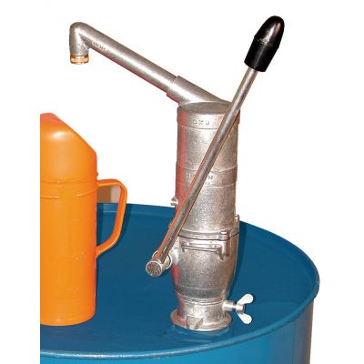 Hand pump with courved spout